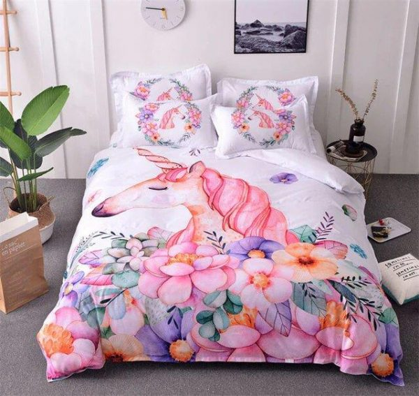 cover of quilt unicorn flowery 140x200 not dear